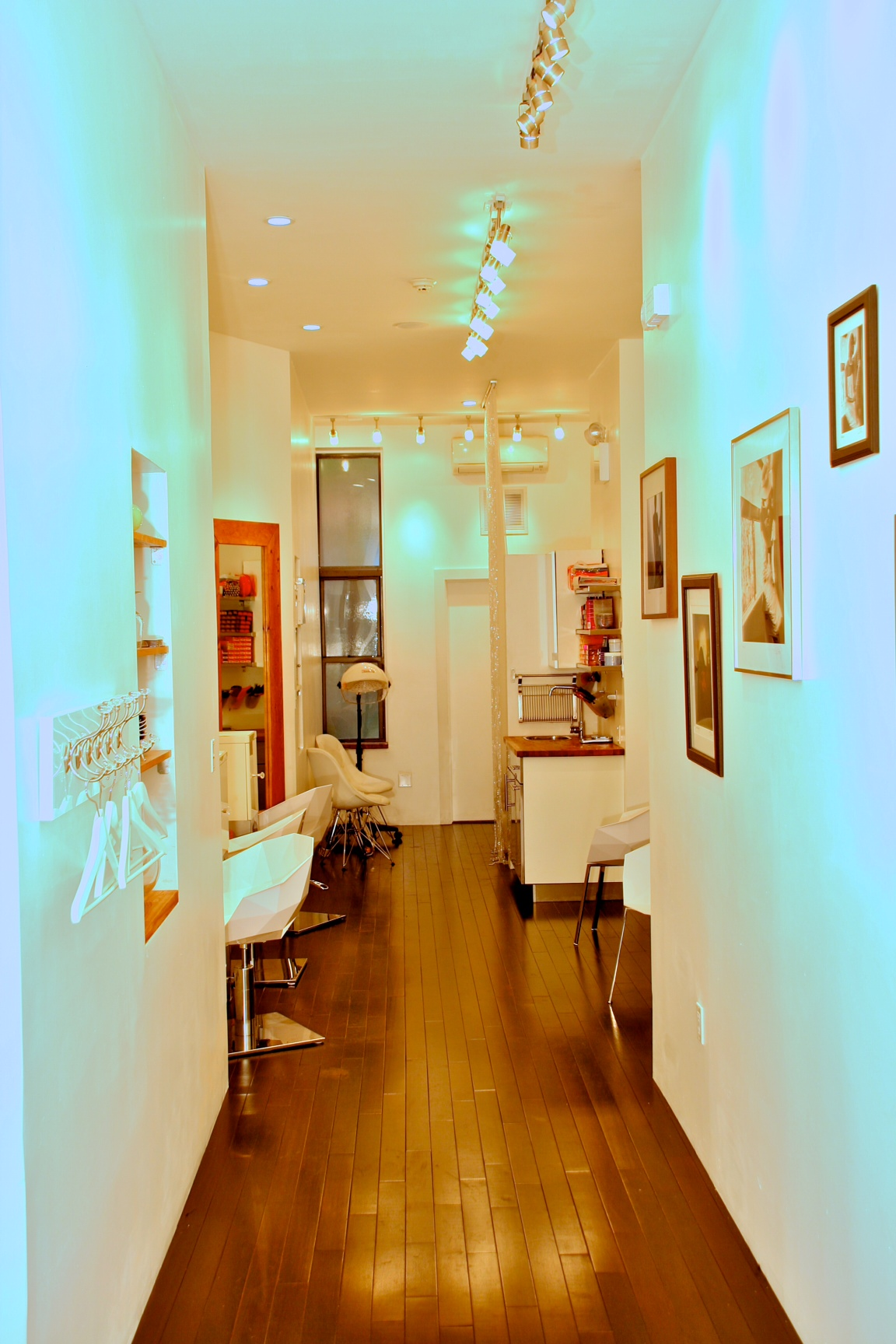 Upscale Salon : New Breed Of Upscale Salons Are Transforming The Images Of Harlem ...
